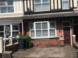 4 Bedroom Detached House Available To Rent In Tipton