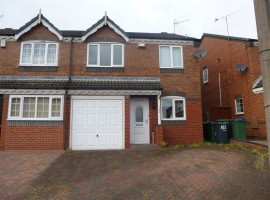 Beautiful 3 bedroom family house in Wolverhampton